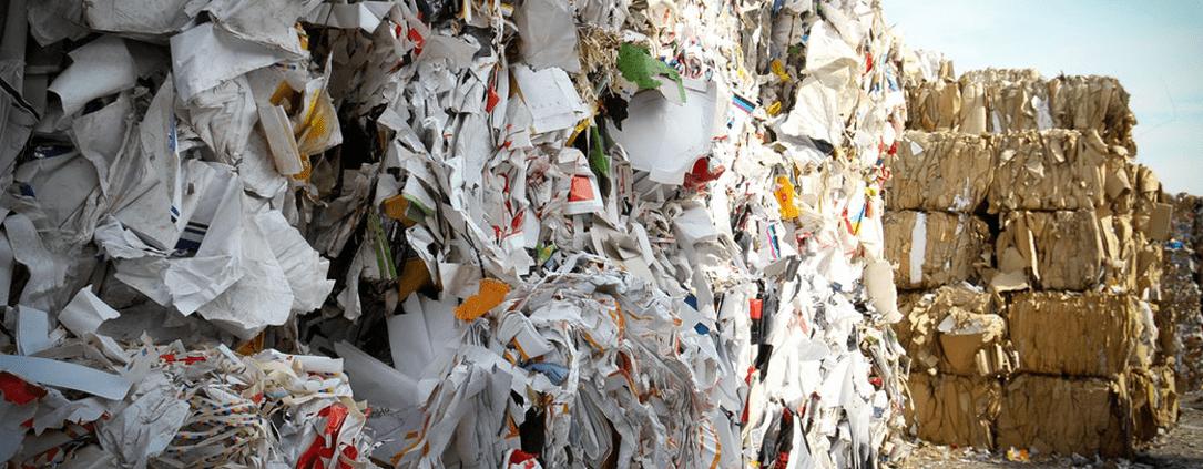 saco de lixo infectante hospitalar é utilizado para transportar resíduos na área da saúde.