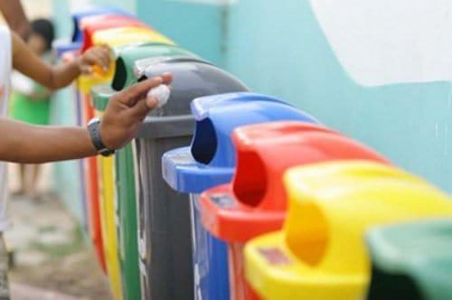 Plásticos no lixo: JAMAIS