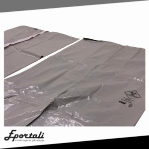 Saco para óbito é um saco para o transporte de corpos, feito de um plástico potente, capaz de aguentar o peso do corpo, além de serem biodegradáveis
